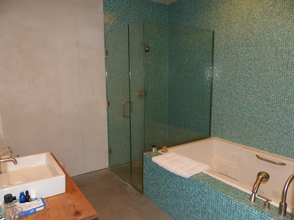 bath:sink.jpg