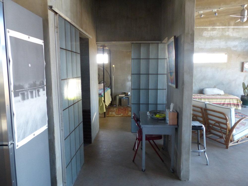 hallwaytobedroom1.jpg