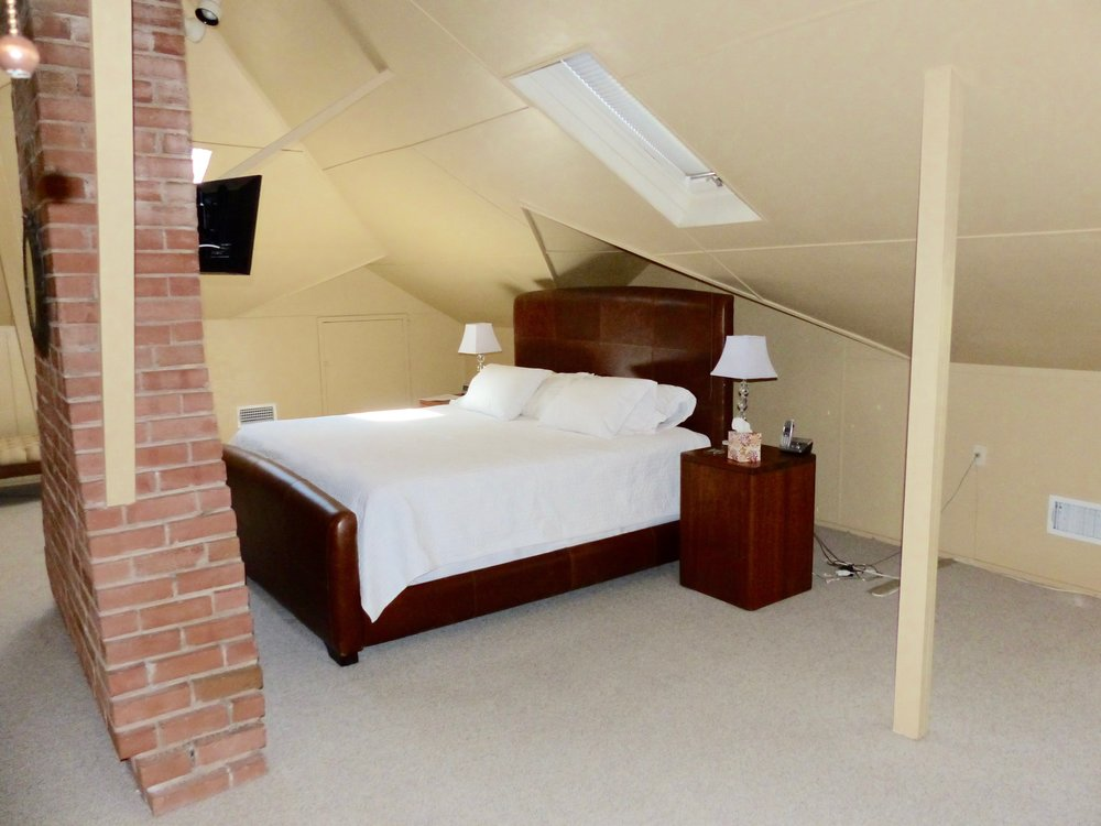 upstairs bed.jpg