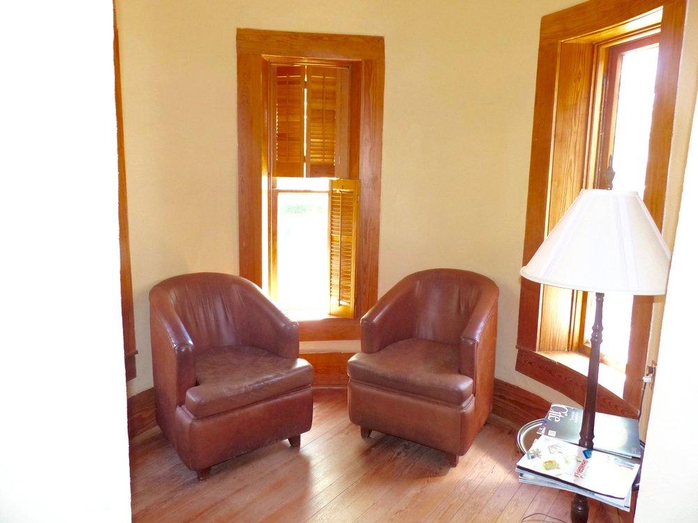 main bed suite.jpg