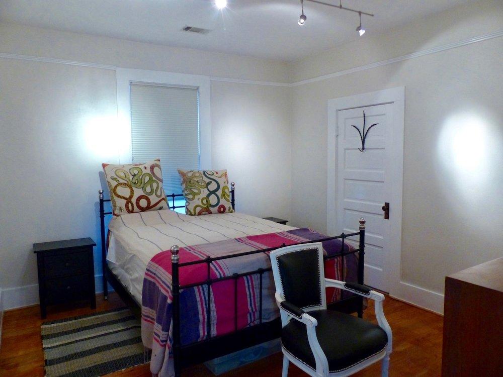 Bedroom:window.jpg