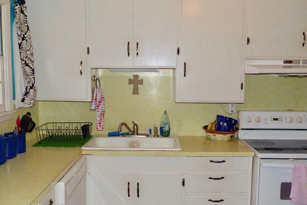 kitchencabinets.jpg