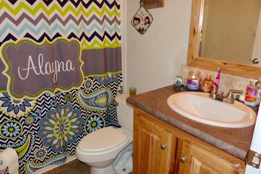 2abathroom.jpg
