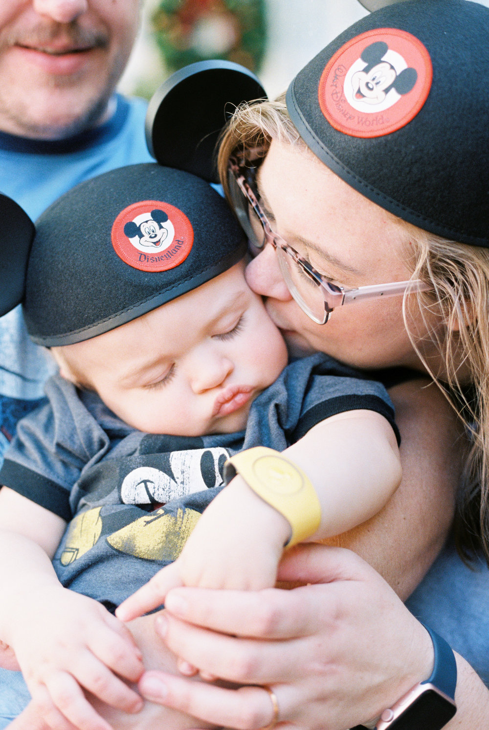 Disney Days $500 - - Disney Sessions on select Disney days (Tuesday or Wednesday).- Any time after 4:00 PM.- Any 1 of the 4 theme parks.- 2 hours of coverage.- Online downloadable gallery.- Print Release.