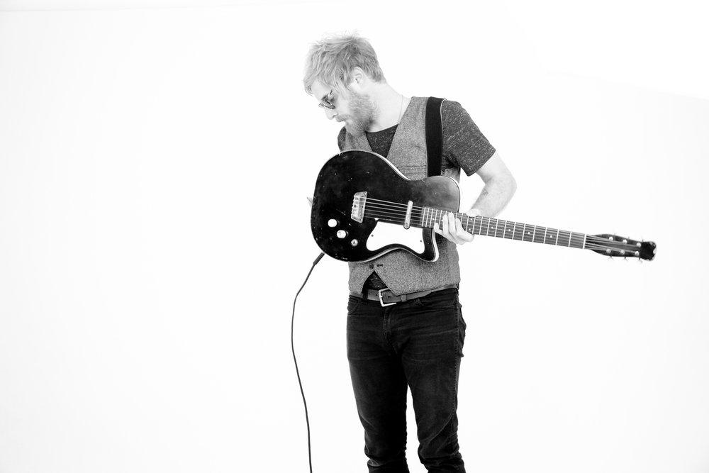 guitar (1 of 1).jpg