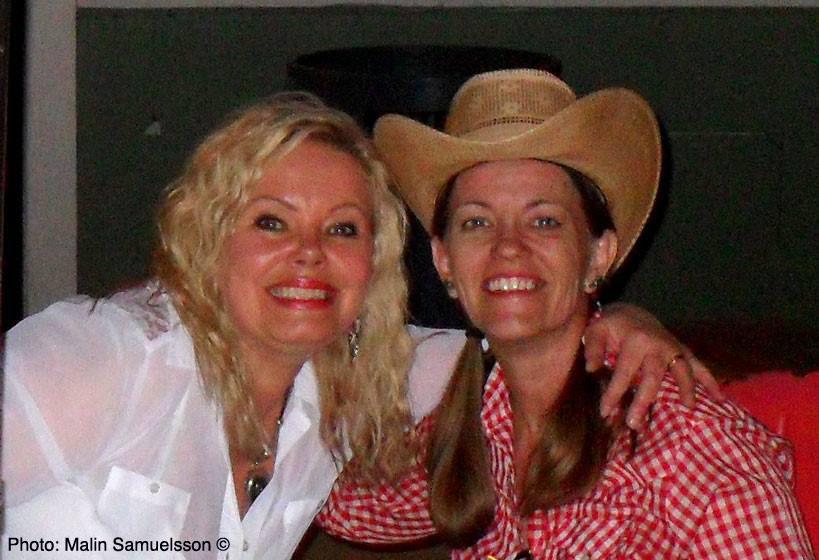 Cina & Teri Joyce - Austin Texas