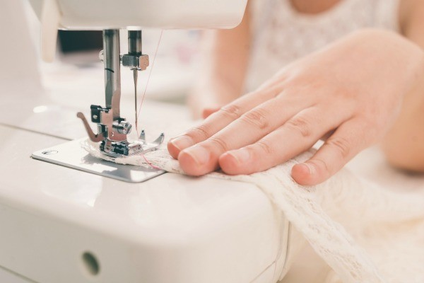 sewing_l1.jpg