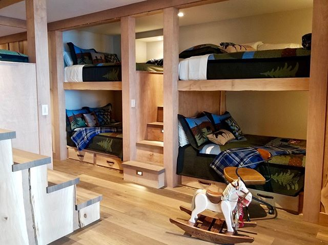 Our oak paneled, forest inspired, five-bed bunkbed room is ready for the young ones at our Tahoe project! #solannadesign • • • • • #currentdesignsituation #customhome #designinterior #designingforkids #designer #designlovers #homedesign #homeinspiration #homeinspo #homestyle #interiordecorating #interiordesign #interiordesigner #interiordesignideas #interiordesigninspo #interiordetails #interiorlovers #interiors #interiorinspo #interiorstyle #interiorarchitecture #interiorandhome #luxurydesign #luxuryhome #luxuryinteriors #moderncraftsman #modernmountainhome #tahoelife #tahoehomes