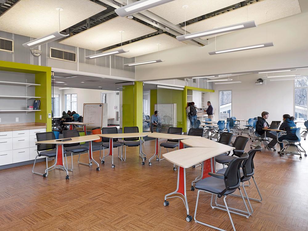 Smart Halls -