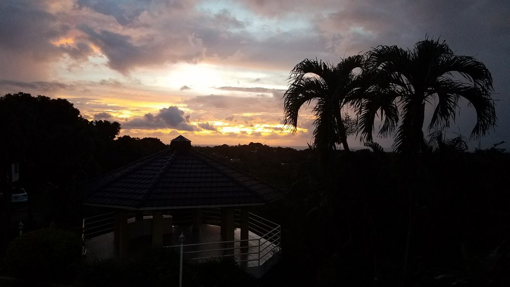 Este fue el atardecer el día antes de que llegara el huracán María a Puerto Rico. Sereno y hermoso.