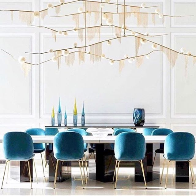 C H E R R Y / bomb fringe light was on display last night at the Los Angels Afterglow event by @lindseyadelman ⚡️🌟💫 . #lighting #design #interiordesign #interiorstyling @beckswolski