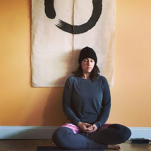 #communityyoga today with Pleasance @lilommyoga 💛💛💛 All ages & stages! #yogadc #mindfullness #wellness #tenleytowndc #gratitude