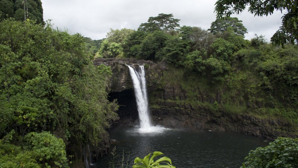 Rainbow_Falls_in_Hilo.jpg