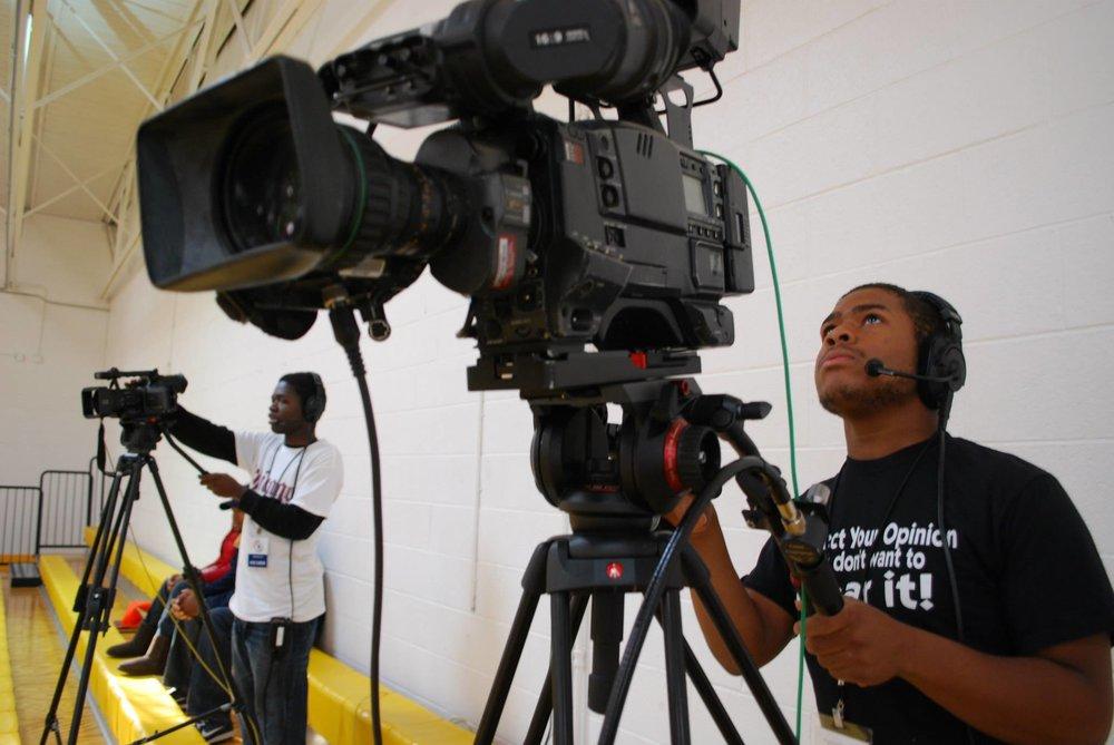 HoopsHIGH - Sports broadcast program based in North Lawndale(LEVELS 1 & 2)