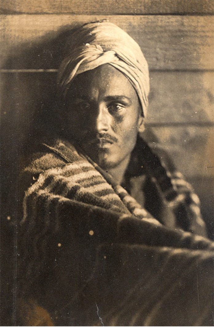 A Sikh soldier in a German prisoner-of-war camp, c. 1915. (Source: Toor Collection)