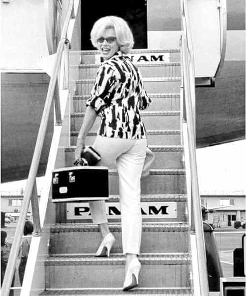Marilyn Monroe borading a Pan Am flight