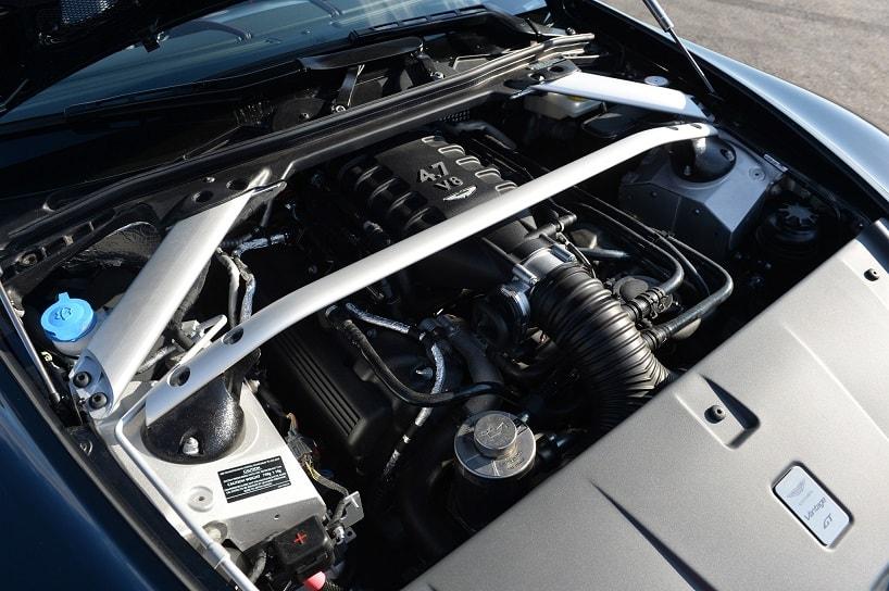 Aston Martin Vantage 7 - superFLY-min.jpg