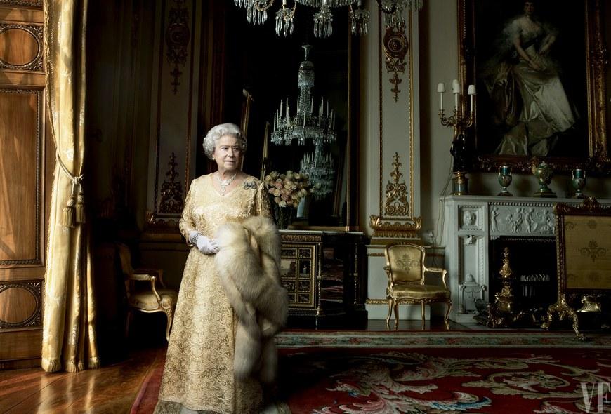Annie Leibovitz,   Queen Elizabeth 90th birthday, summer 2016  Pigment print