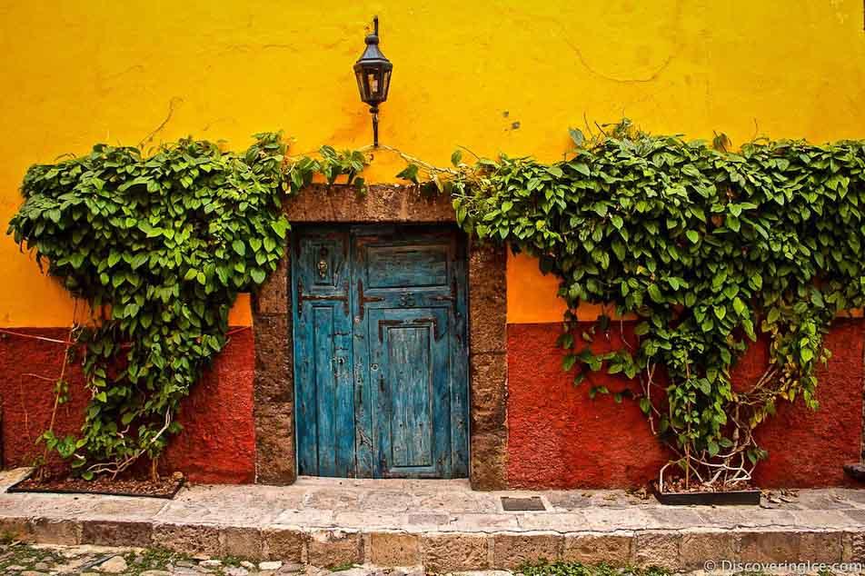 Blue-door-San-Miguel-de-Allende-Mexico-.jpg