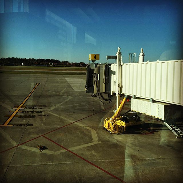 The view today, McGhee-Tyson Airport, Knoxville, TN. .  #randyebishop #musician  #BentleyRecords #music #singersongwriter #americana #guitar #swing #blues #recordingartist #countrymusic #taylorguitars #departingline #hazeleyesmgt #musicismylife #flying #airport #lovetotravel