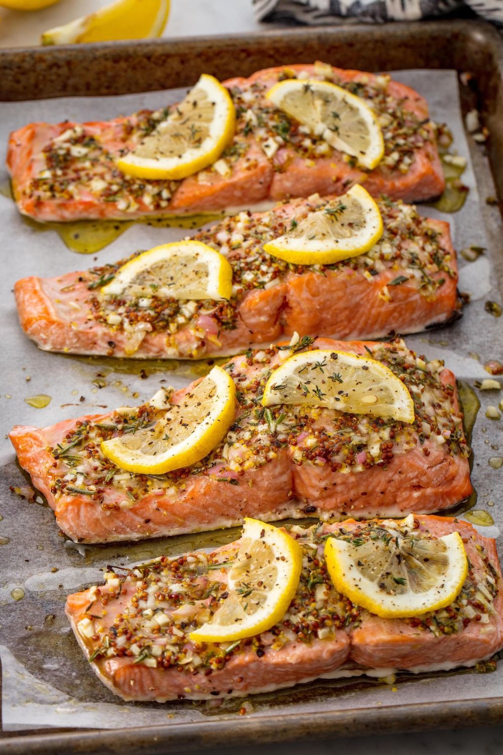 gallery-1506010632-broiled-salmon-delish-1.jpg