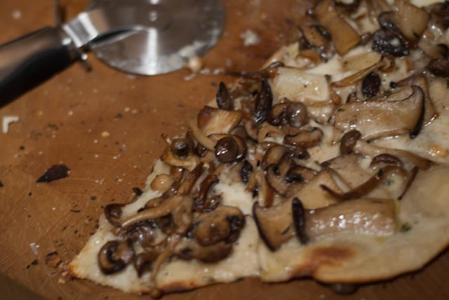 MushroomPizza-022014-63.jpg