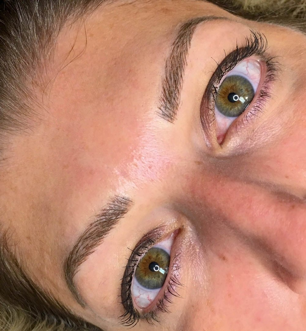 Cosmetic tattoo for eyebrows