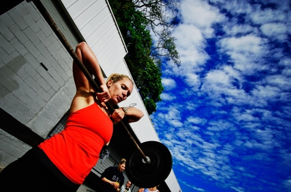 Jenn doing High-pulls