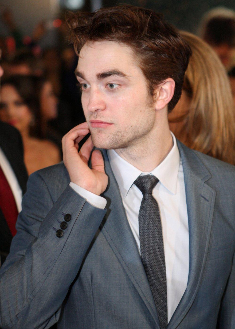 https://commons.wikimedia.org/wiki/File:Robert_Pattinson_02.jpg