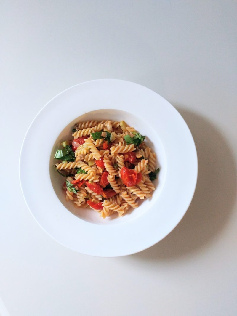 Fresh lemon juice and extra virgin olive oil combine to make a dreamy sauce that coats every crevice of the warm pasta