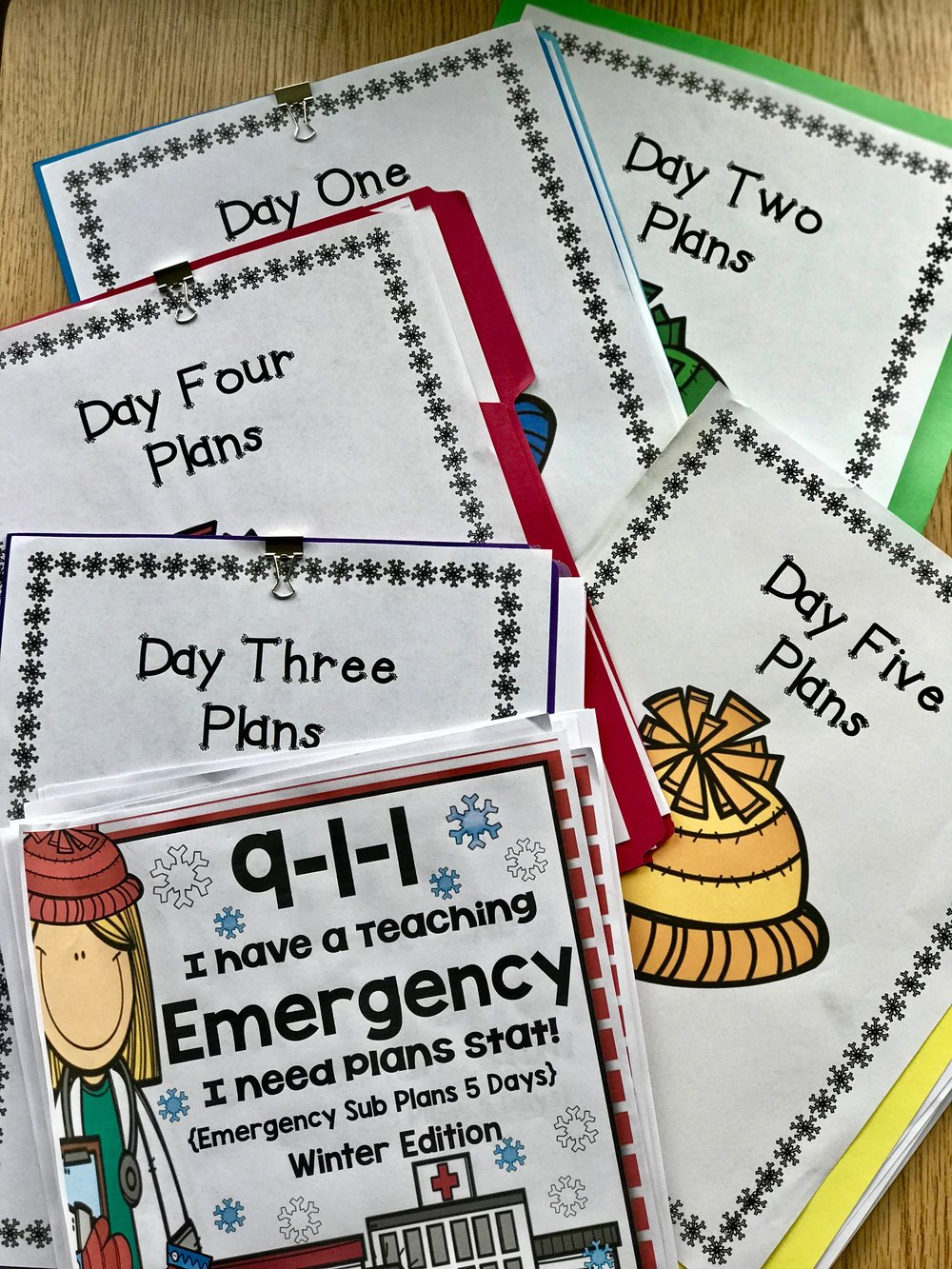 Emergency sub plans Winter Version for 2nd and 3rd grade give teachers peace of mind. Prepared plans give substitute teachers ideas. #emergencysubplans #substituteteacherideas #2ndgrade #3rdgrade