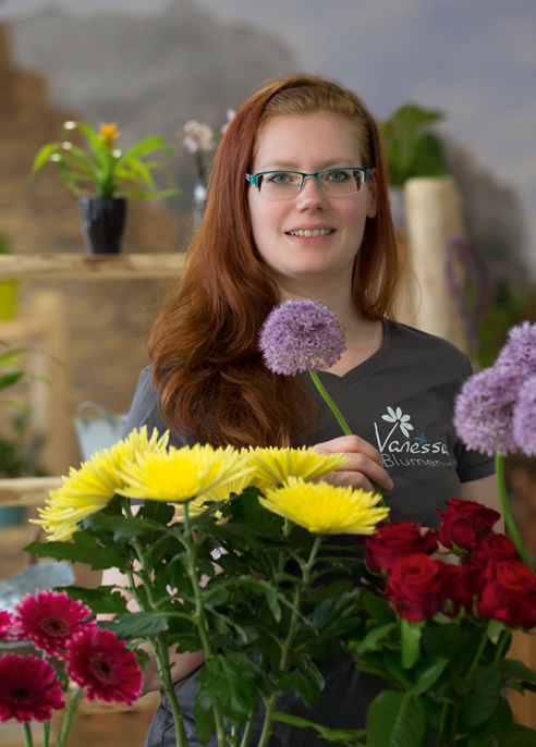 Ich möchte Sie auf meiner neuen Homepage freundlich begrüßen.In meiner Blumenwelt finden Sie moderne floristische Ideen mit hoher Qualität zu einem fairen Preis. Dabei legen wir als Team großen Wert auf eine freund-liche und individuelle Beratung.Viel Spaß auf meinerHomepageIhre Vanessa Müller -