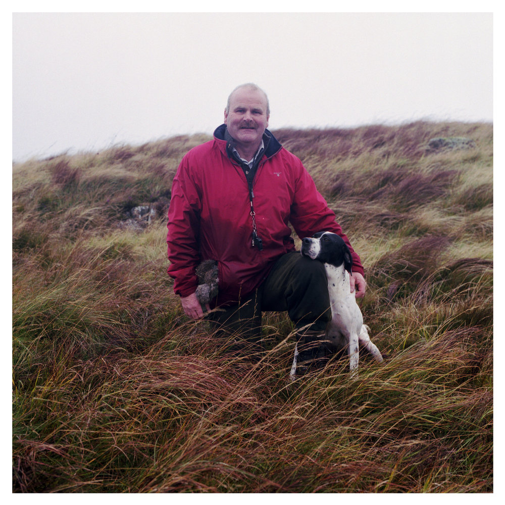 Michael Houston with Black & White English Pointer - Ardclinis Francie Frank.