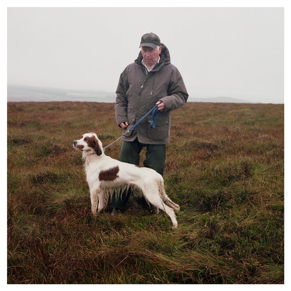 Desmond Linton with Irish Red & White Setter - Craigrua Eoghan.