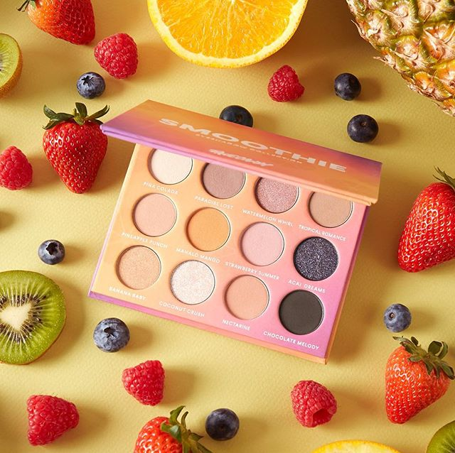 Smoothie palette coming soon to @shophush_! Tag a friend who needs this palette! 🍓 #facecandymakeup #smoothiepalette #shophush