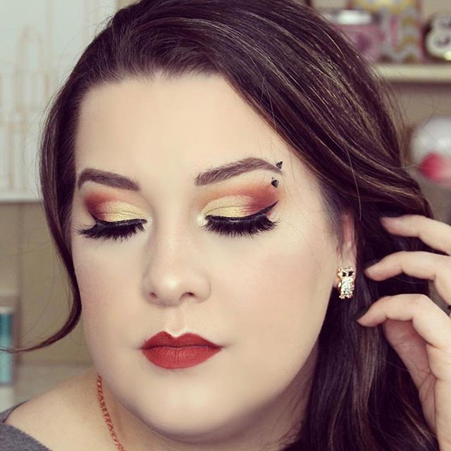 We ❤️ this look @nikimaemurphy created with our Sahara palette! Share your looks and tag us! We may feature you next! #facecandymakeup #saharapalette