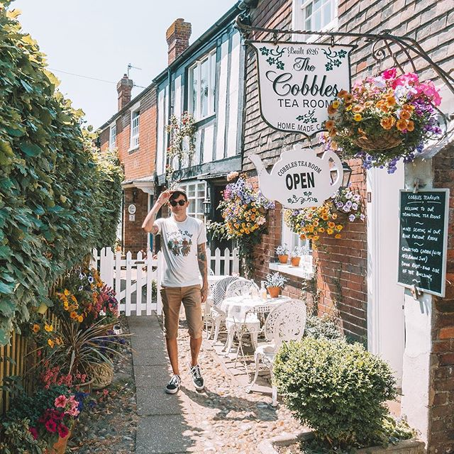 We've been spending the last few weeks visiting family in the south east of England. Today was so hot and sunny 🔥 we couldn't resist a visit to the historic town 🏰 of Rye.  We had planned on leaving a week ago, to head towards Norway via France, Belgium, The Netherlands, Germany, Denmark, and Sweden (long trip coming our way, huh!). However, we discovered that David's passport is about to expire and have had to expend our stay, but it's worked out well with a heat wave hitting the UK!  We love this community and how much you support our adventures, so if you're somewhere along our route to Norway, let us know - we love to meet fellow travel junkies and vanlifers along our route. 😍✌️see you on the road!