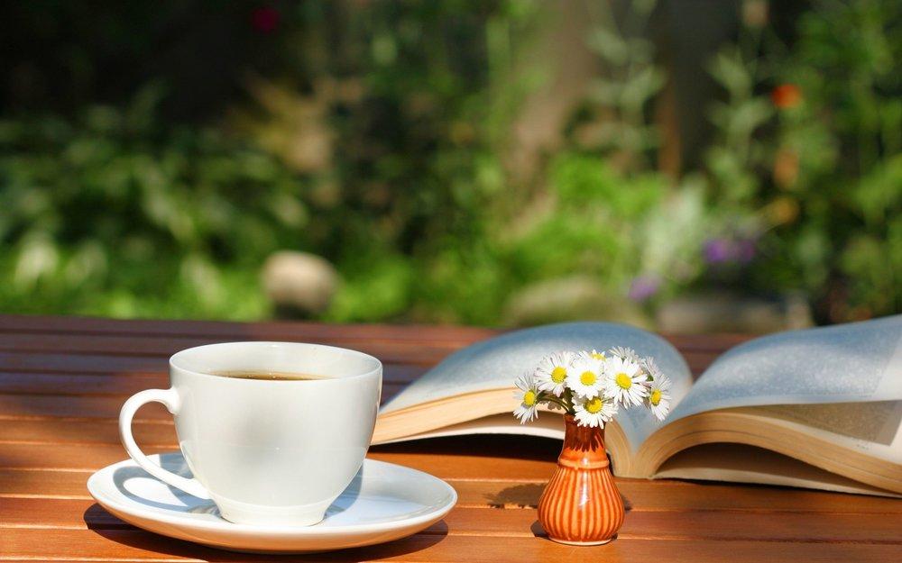 books n tea 2.jpg