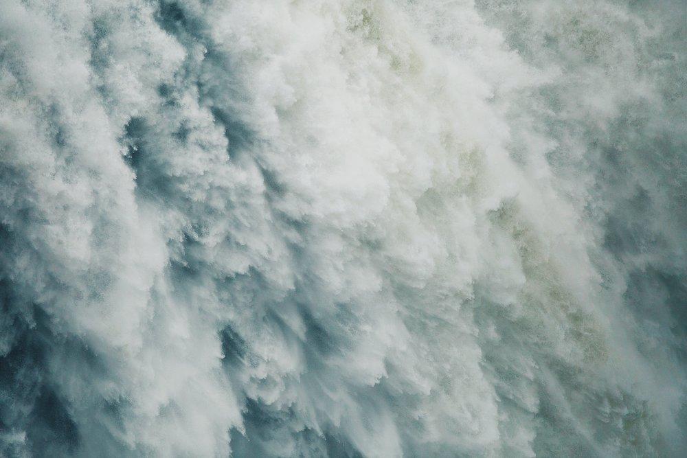 waterfalls-1149944_1920.jpg