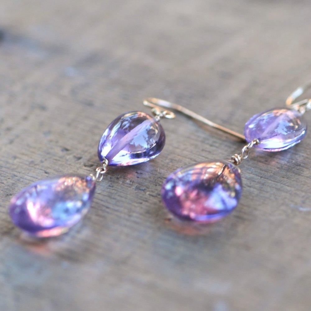 ROCKED JEWELRY   A range of high quality gemstone jewelry handmade by Lara Gordon