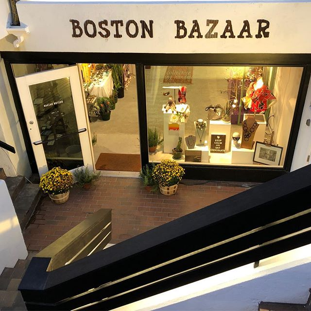 Wishing you a wonderful happy new year 🎊 cheers to 2018! ✨🥂✨ . . . #happynewyear #2018 #boston #bostonpopup #bostonartisanbazaar #bostonbazaar #newburystreet #beinggrateful #beautifulstore #localartist #localboston #smallbusiness #shopsmall #massachusetts  #backbay