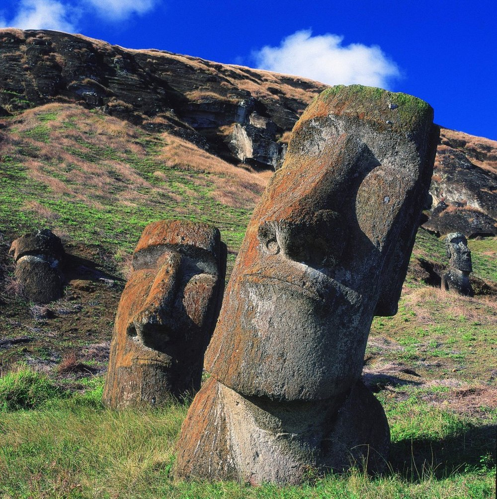 Moai-statue-2.-1019x1024.jpg