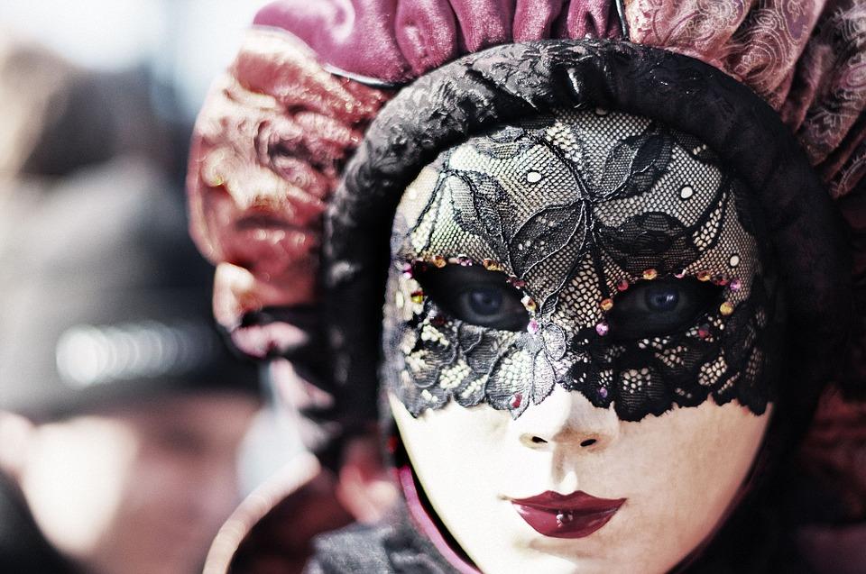 carnival-411494_960_720.jpg