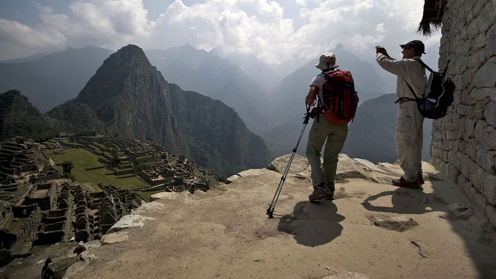 itinerary_lg_2Peru-Machu-Picchu-Couple-Photo-Leo-Tamburri-2010-IGP7141-Lg-CMYK.jpg