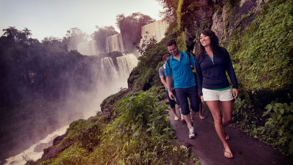 itinerary_lg_Argentina-Iguassu-Falls-Travellers-Rose-Malcom-Walking-Cliff-Leo-Tamburri-2012-MG2902-Processed-Lg-RGB-web.jpg