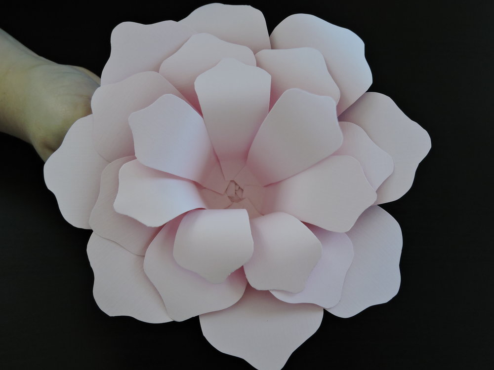 - Step 11:Add the 3rd layer (and any other remaining petal layers) following step 8. Depending on size, the feet may not need to be overlapped.