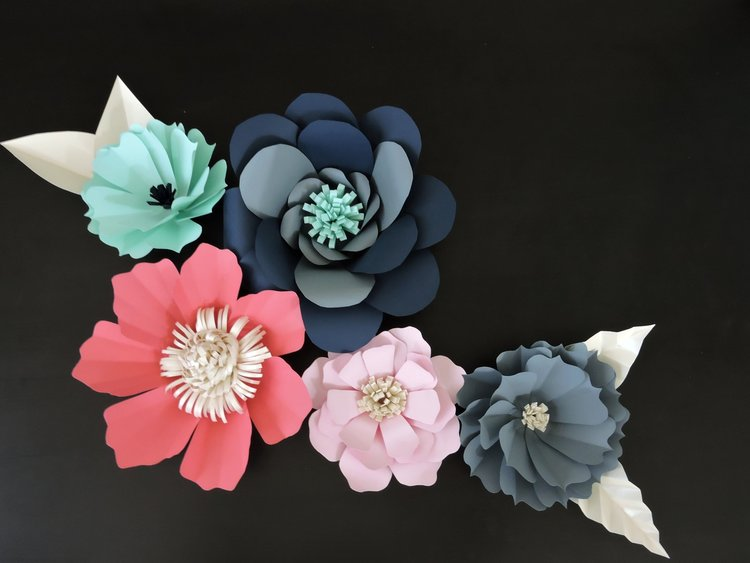 Diy giant paper flowers tutorial blue fox crafts diy giant paper flowers mightylinksfo