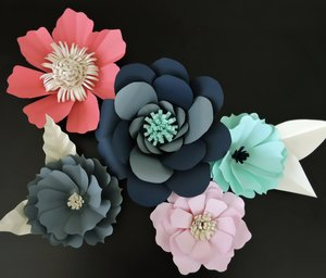 Giant paper flowers cant shake it off blue fox crafts diy giant paper flowers tutorial mightylinksfo