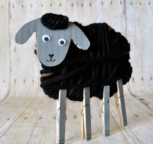 yarn-wrapped-sheep-craft-4.jpg