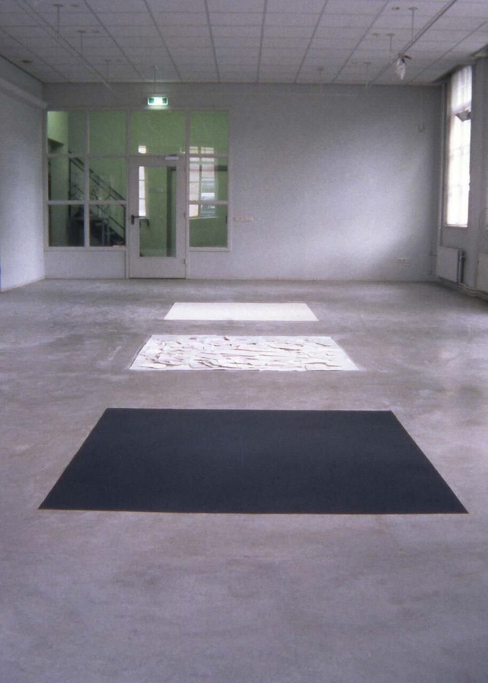 Shard Squares, 1997  Europees Keramisch Workcentrum, s'Hertogenbosch, NL  Porcelain, Graphite,Each square: 5' x 5' x 5'